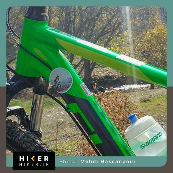استیکر هایکر روی بدنه دوچرخه