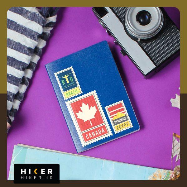 استیکر هایکر روی دفترچه