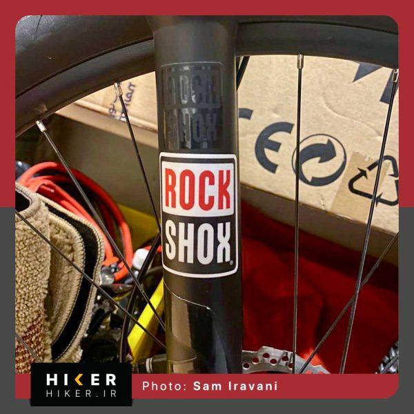 استیکر هایکر روی دوچرخه